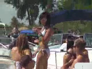 Hot Babe on Go Fast Boat at Jobbienooner from:Dotcomd