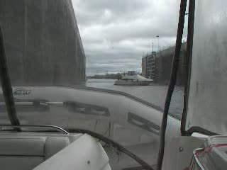 Yacht Having trouble in the lock from:DotComd